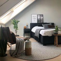 Bedroom Loft, Bedroom Inspo, Home Bedroom, Bedroom Decor, Modern Bedroom Design, Modern Room, Bed Design, Happy New Home, New Room