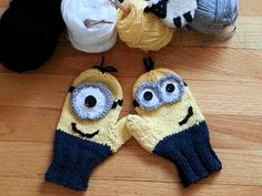 The Minions mittens I knitted for Diego and for my nephews