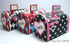 So cute - mailboxes as Valentine's Day boxes