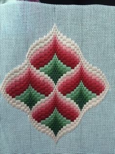 Discover thousands of images about Resultado de imagen para rose au bargello avec bordure ouvrageé Motifs Bargello, Broderie Bargello, Bargello Patterns, Bargello Needlepoint, Crochet Motifs, Needlepoint Patterns, Embroidery Designs, Crewel Embroidery Kits, Ribbon Embroidery