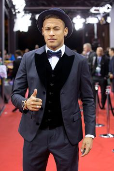 FIFA Ballon d'Or nominee Neymar Jr of Brazil and FC Barcelona arrives for the FIFA Ballon d'Or Gala 2015 at the Kongresshaus on January 2016 in Zurich, Switzerland. Neymar Jr, Messi Vs, Lionel Messi, Antoine Griezmann, Messi And Ronaldo Wallpaper, Real Madrid, Fc Barcelona Neymar, Barcelona Soccer, Paris Saint Germain Fc