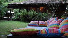 Many colors in the garden. #Trancoso #decor #nature #interior #design #casadevalentina