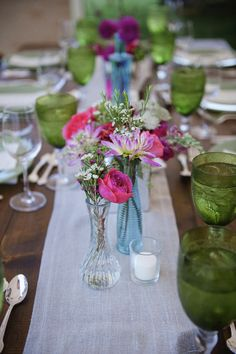 Colorful table scape idea that speaks springtime. #tabledecor #reception #weddingchicks Captured By: Janet Moscarello Photography ---> http://janetmoscarellophotography.com/