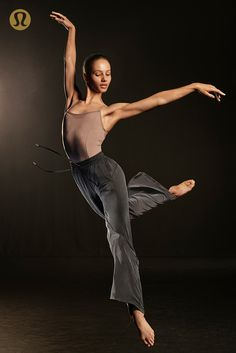 Francesca Hayward for Ballet Workout Clothes, Ballet Clothes, Ballerina Clothes, Contemporary Dance, Modern Dance, Francesca Hayward, Ballerina Workout, Ballet Fashion, Ballet Dancers