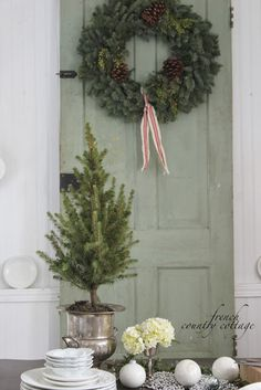 FRENCH COUNTRY COTTAGE: Adding holiday in a hurry