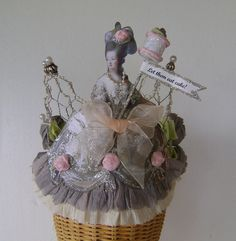 Marie Antoinette chicken wire Birthday Crown - Hat -- Let them eat cake Its my Birthday or customize Buy All The Things, Diy Crown, Paper Crowns, Chicken Wire, Crepe Paper, Marie Antoinette, Party Hats, Altered Art, Eat Cake