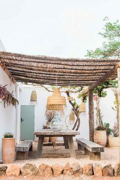 Terra Masia Ibiza is de magie van Ibiza op zijn best - Barts Boekje Outdoor Rooms, Outdoor Living, Outdoor Decor, Rustic Outdoor, Garden Design, House Design, Backyard Patio, Home And Garden, Outdoor Structures