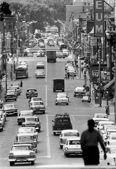 Madison, Wisconsin, 1960s.  This takes me back...cars have not been allowed on State Street since it was converted into a pedestrian mall many years ago.