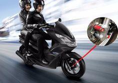 Ưu điểm của khoá đĩa chống trộm heo dầu là bảo vệ xe máy khỏi tệ nạn trộm cướp, thiết kế tiện lợi, gắn trực tiếp vào phuộc, giúp bảo vệ heo dầu và chống trộm xe máy. Thiết kế chuyên biệt cho dòng xe Honda PCX. Thông tin về sản phẩm vui lòng xem chi tiết sản phẩm tại website: http://phutunghaibanh.com/pcx-150/khoa-dia-chong-trom-xe-pcx-phu-tung-xe-may-honda.html