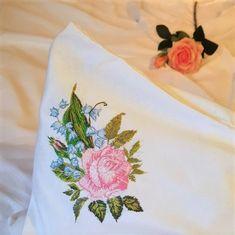 embroidery, розы, вышивка розы, вышивка гладью Napkins, Tableware, Dinnerware, Towels, Dinner Napkins, Tablewares, Dishes, Place Settings
