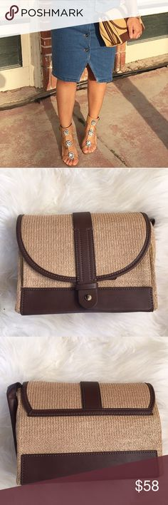 Zara Brown Faux Leather Straw Clutch/Crossbody New with tags. In excellent condition, however very minor scratch on bottom leather unnoticeable when worn. Snap closure. Crossbody bag that can be worn as a clutch as shown in picture with the adjustable straps tucked in. ❌NO TRADES OR PAYPAL❌ Zara Bags Crossbody Bags