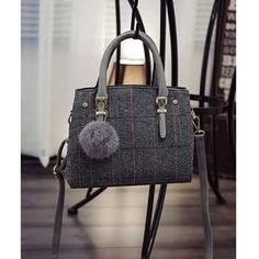 #2149TCL IDR 238.000 Size 25x10x22cm Bahan Cotton & Straw Fabric Warna : Gray. Brown Open zipper 0750gr Ada tali panjang Shipping from Batam Order via: BBM: 596A1F30 Line: tascantik_terbaru WA: 087822690288 Inbox FB Tascantik Terbaru #Tasimportmurah #tasbatammurah #tasimportbatammurah #bukalapaktas #jualtasonline #onlineshop #supliertasimportmurah #tasfashionmurah