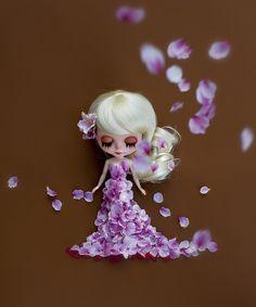 Blythe and her petal dress.