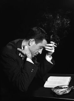 """Salinger reading """"The Catcher in the Rye"""". Photo via Awesome People Reading. Writers And Poets, I Love Books, Good Books, Books To Read, My Books, Amazing Books, Book Writer, Book Authors, Story Writer"""