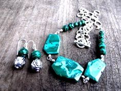 'Malachite Set' is going up for auction at  4pm Sun, Jan 13 with a starting bid of $12.