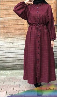 Hijabi wearing a buttoned gown and boots – – Hijab Fashion Modest Fashion Hijab, Modern Hijab Fashion, Hijab Fashion Inspiration, Islamic Fashion, Abaya Fashion, Muslim Fashion, Fashion Dresses, Fashion Black, Fashion Fashion