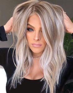 Awesome Balayage Hair Color Ideas and Shades for Women 2019 .- Awesome Balayage Hair Color Ideas and Shades for Women 2019 Awesome Balayage Hair Color Ideas and Shades for Women 2019 - Silver Blonde Hair, Honey Blonde Hair, Blonde Hair Looks, Grey Hair, Blonde Hair Over 40, Medium Length Hair Blonde, Blonde Lob Hair, Beige Blond, Bleach Blonde Hair