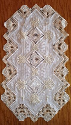 Hardanger Table Runner gorgeous two tone 24.5 x by norwegianneedle