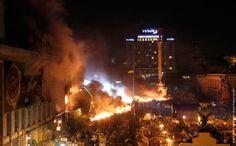 Как тушили загоревшееся здание Дома профсоюзов, где располагался штаб обороны Майдана.