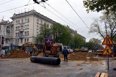 モルドバの首都・キシニョフでは街の至るところで工事が行われていた。道路がでこぼこな場所も多く、インフラ整備は進んでいない=2014年4月12日、坂口裕彦撮影 ▼13Apr2014毎日新聞|ウクライナ隣国:モルドバ大統領、EU加盟目標を維持 http://mainichi.jp/select/news/20140413k0000m030118000c.html #Moldova