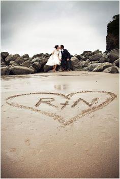 Plan your Oregon coast elopement or intima… - Hochzeit Small Beach Weddings, Beach Wedding Photos, Wedding Poses, Beach Photos, Wedding Pictures, Wedding Ceremony, Barn Weddings, Wedding Ideas, Wedding Beach