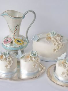 vintage ivory and blue with golden accents by Cakes by Tessa, via Flickr