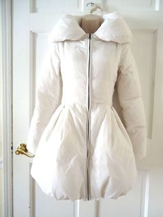 ALICE + OLIVIA DOWN WHITE COAT BUBBLE HEM PUFFER JACKET SIZE S DUCK & WATER FOWL #AliceOlivia #Puffer