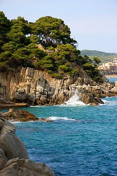 Costa Brava  by MIL MANERES DE MIRAR: