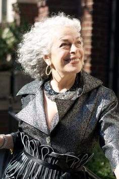 Ilona is 90 yrs old. Cheers to Advanced Style blog for finding her in NYC