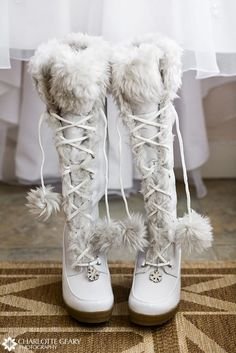 59 Cool Winter Bridal Shoes, Boots and Flats To Get Inspired - Schuhe Ideen Winter Wedding Boots, White Winter Boots, Snow Wedding, Winter Wonderland Wedding, Winter Weddings, Cozy Wedding, White Boots, Winter Shoes, Trendy Wedding