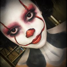 Clown pennywise Halloween make up