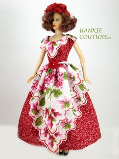Hankie Couture double apron is Red Delight!  ♡♡♡  http://hankiecouture.com/index.php