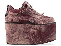 Moonspoon Saloon X Buffalo shoes Platform Sneaker Buzznet Flatform Sneakers, High Heel Sneakers, Sneaker Heels, Grey Sneakers, Grey High Heels, Grey Shoes, Spice Girls Shoes, Buffalo Shoes, Platform Shoes