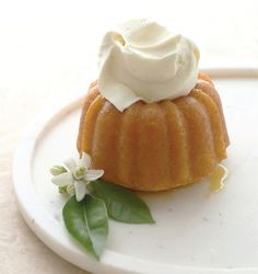 Orange Blossom Cake Hearts Aflutter by Flutter Magazine Spring Treats, Orange Blossom Water, Flower Food, Water Recipes, Eat Dessert First, Fruit Smoothies, Vegan Recipes Easy, Let Them Eat Cake, Yummy Cakes