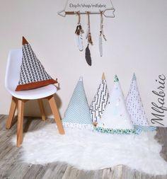 Coussin tipi personnalisé, tipi deco chambre bebe, décoration chambre enfant, coussin enfant de la boutique mlfabric sur Etsy