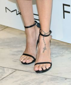 Nicole Richie T A T T O O S Calzas Tatuajes Decoracin in sizing 2048 X 2466 Nicole Richie Ankle Tattoo - Have you been thinking of getting a sexy ankle Celebrity Tattoos Women, Celebrity Style, Celebrities Tattoos, Anklet Tattoos For Women, Rosary Foot Tattoos, Anklet Designs, Ankle Tattoo Small, Nicole Richie, Bare Foot Sandals