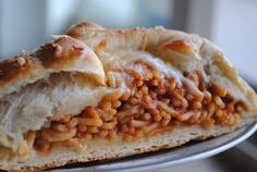 Confessions of a Craft-A-Holic: Totally Scrumptious Spaghetti Bread! This actually sounds quite tasty. Entree Recipes, Pasta Recipes, Bread Recipes, I Love Food, Good Food, Yummy Food, Tasty, Awesome Food, Delicious Recipes