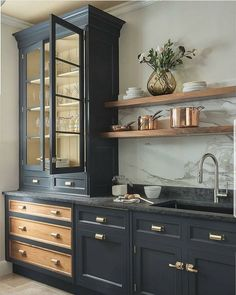 modern kitchen design with navy kitchen cabinets, black kitchen cabinets in modern farmhouse kitchen Dark Blue Kitchen Cabinets, Dark Blue Kitchens, Dark Cabinets, Black And Copper Kitchen, Pantry Cabinets, Glass Cabinets, Display Cabinets, Handles For Kitchen Cabinets, Kitchen Cabinets Design