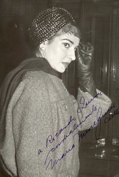 Maria Callas 1958 Maria Callas, Classical Opera, Vintage Gloves, September 16, Important People, Opera Singers, Yorkie, Style Icons, New York