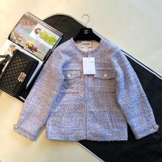 Chanel Tweed Jacket, Korean Fashion Work, Fashion Clothes, Fashion Outfits, Sora, Signet Ring, Cute Casual Outfits, Fashion Books, Winter Coat