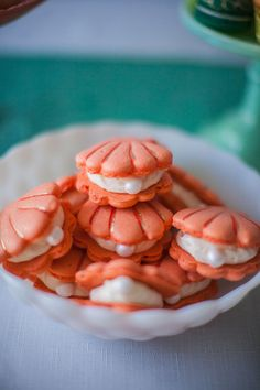 "Adorable clam-shaped cookies for a festive ""under the sea"" themed party 