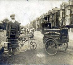 Milkman and baker in Hendon , north of London, turn of the 20th century