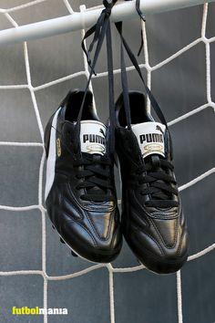 Botas de fútbol de piel Puma SG con tacos de aluminio para césped natural húmedo - Negro  #puma #pumafootball #botasdefutbolclasicas #botasdefutbol   📸@MarciComunica para #futbolmania