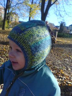 Baby Knitting Patterns Techniques Ravelry: Toddler Knitted Helmet pattern by Sandy Turner Baby Boy Knitting Patterns, Baby Hats Knitting, Knitting For Kids, Knitted Hats, Crochet Patterns, Knitted Balaclava, Hipster Hat, Diy Hat, Kids Hats