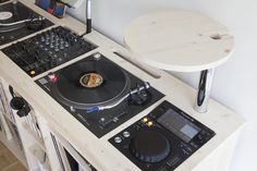 how to create a professional dj booth from ikea parts dj dj booth and professional dj. Black Bedroom Furniture Sets. Home Design Ideas
