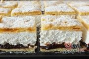 Frieze cake from tin alla Petra- Friesentorte vom Blech alla Petra A shortcrust pastry cake, vanilla-flavored quark-whipped cream filling and a refreshing plum-jam topping. Oreo Dessert Recipes, Cake Recipes, Pasta Recipes, Petra, Short Pastry, Shortcrust Pastry, Gateaux Cake, Cake & Co, Pastry Cake
