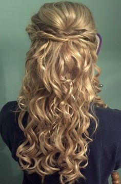 stacked twists half updo and pretty curls