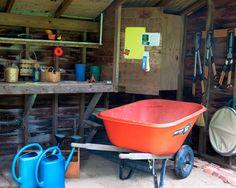 Alte alu gie kannen bunt bemalt als gartendeko - Gartentischchen metall ...