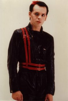 Gary Numan, in his jumpsuit, 1980s fashion