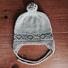 The stitch patten is inspired by the traditional arts from the Andes. During my travels through South America, I witnessed many tradional fabrics and knitting/weaving techniques in Peru. Knitted Hats Kids, Knitting For Kids, Kids Hats, Baby Knitting, Baby Hat Patterns, Weaving Techniques, Baby Design, Baby Hats, Traditional Art